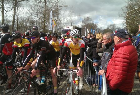 Ronde van Waddinxveen - start amateurs